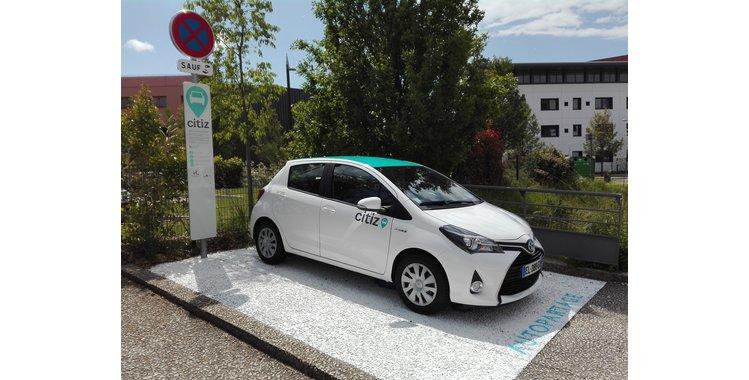 Photo Station d'autopartage - véhicule en libre service (Av. de la Gare)