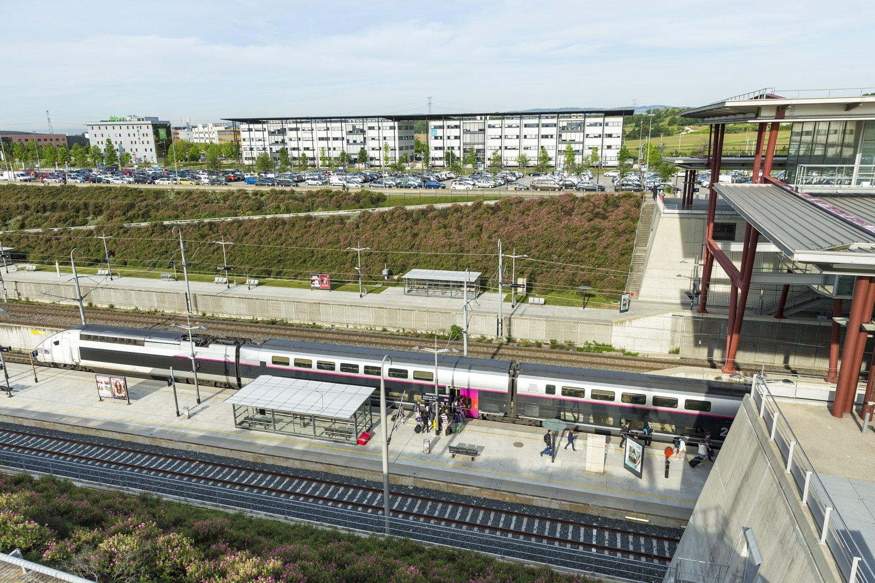 A 30 minutes au sud de Lyon, la gare de Valence TGV à Rovaltain