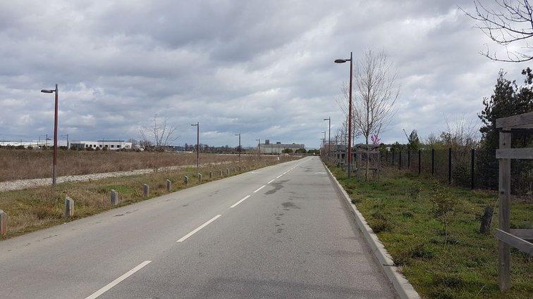 Extension de la rue Roland Moreno, à Rovaltain.