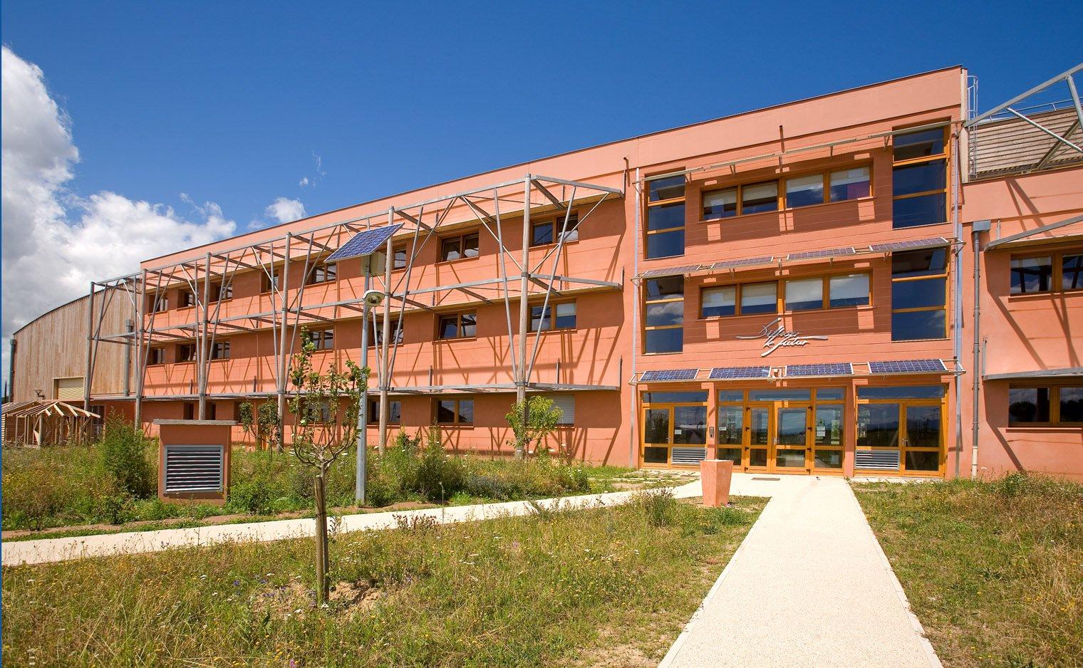 Vue du bâtiment de l'INEED, CCI de la Drôme à Rovaltain