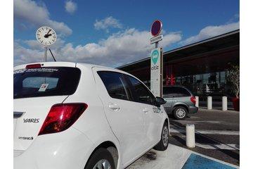 Station d'autopartage - véhicule en libre service (Parking P2 - Valence TGV)