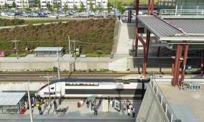 la gare de valence tgv au coeur du parc d'activités de rovaltain