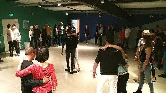 Cours de danse, sur le parc d'activités de Rovaltain - Valence TGV
