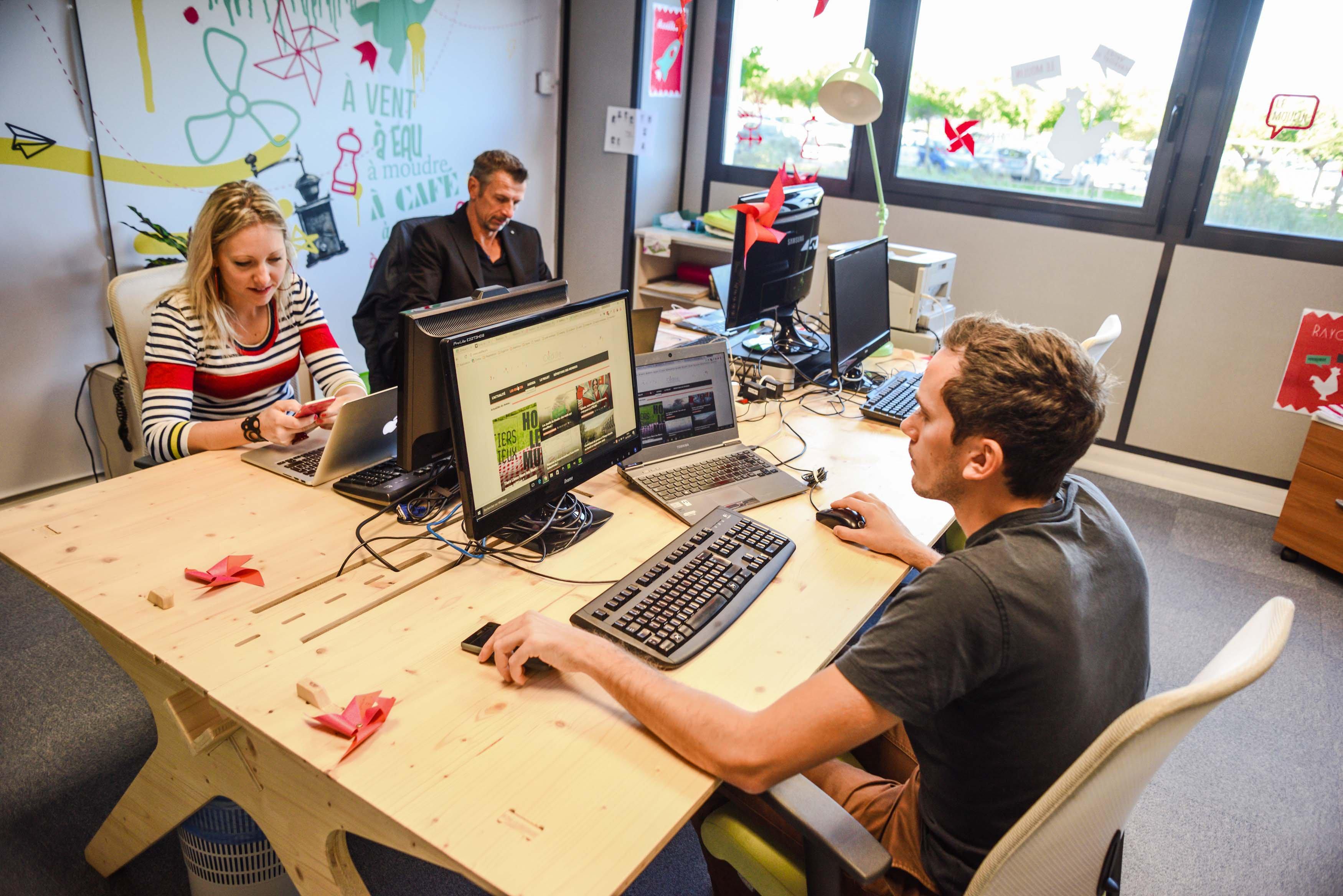 Offre immobilière flexible, le coworking est proposé à Rovaltain par deux structures : la pépinière d'entreprises et le Moulin, lieu totem de la French Tech
