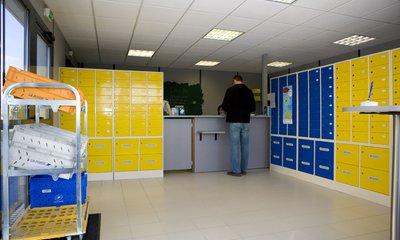 Le Carré Poste de Rovaltain propose des services postaux et bancaires aux entreprises du parc d'activités