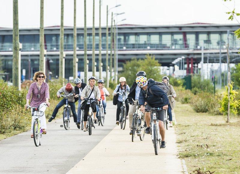 vélos à Rovaltain.jpg