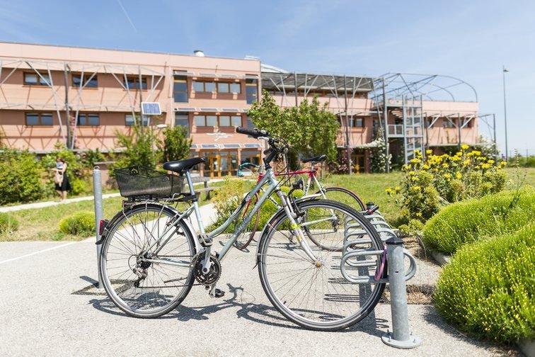 INEED est un hôtel d'entreprises et centre d'affaires de Rovaltain